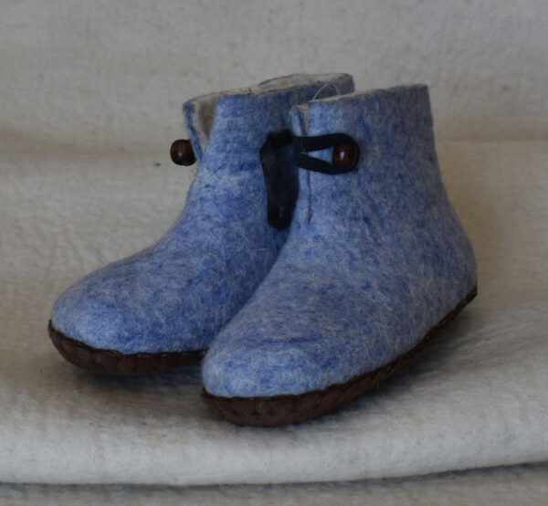 chaussons bleu ciel 1