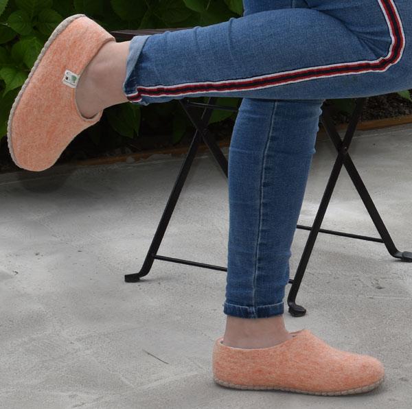 chaussons en laine rose femme