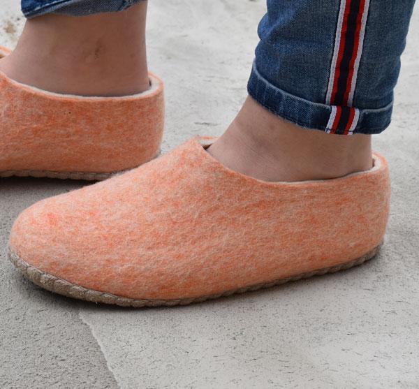 pantoufles femme rose laine