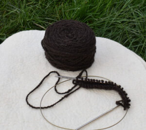 pelote de laine yak marron