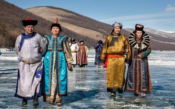 vêtement traditionnel mongol